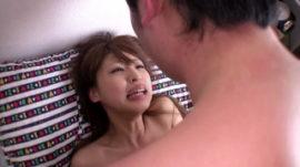童貞君の力加減を知らないセックスでクタクタにされた秋山祥子